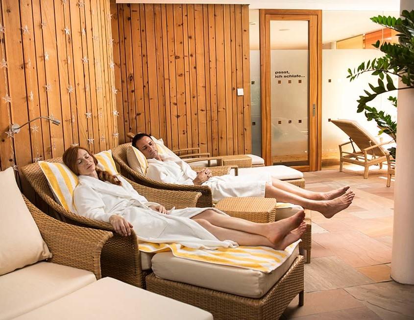 Relaxstühle im Wellnessbereich