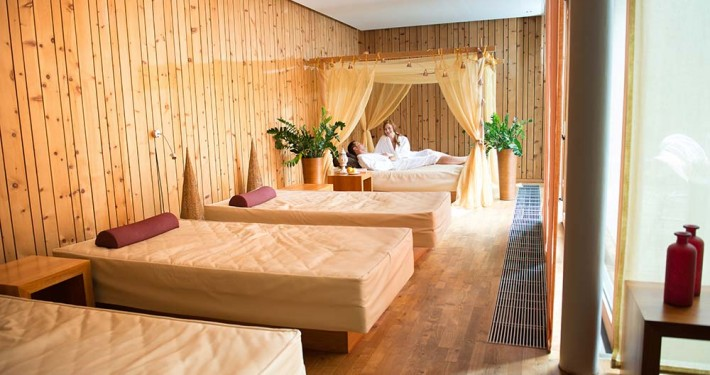 Wellness area waterbeds